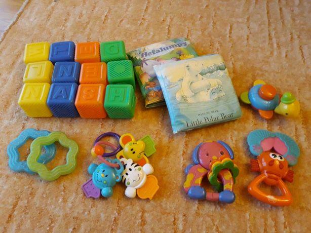 Grzechotki, zabawki - zestaw