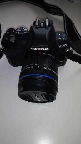 Máquina Olympus E-420 + Objetiva + Flash