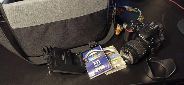 Lustrzanka Nikon D5600 obiektyw kit 18-55 filtry torba osłona aparat