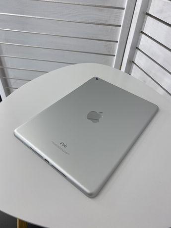 iPad 2017 (5 поколение) Wi-Fi 128 гб Silver