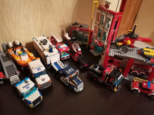 Продам LEGO город