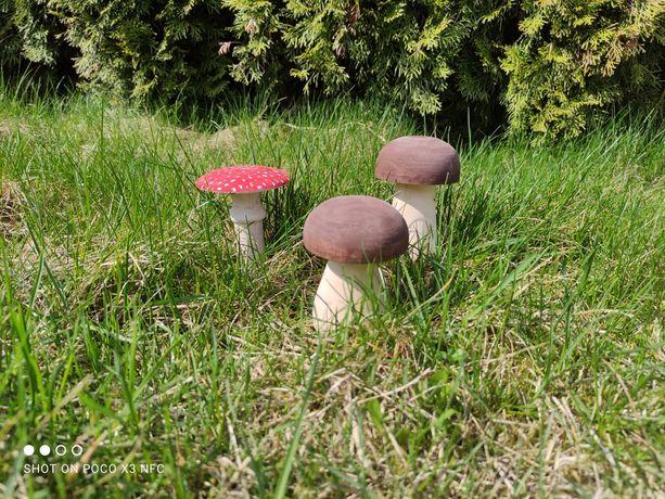 Drewniane grzyby do ogrodu komplet