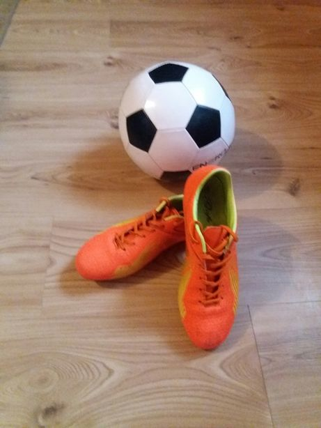 Buty piłkarskie korki rozmiar 40