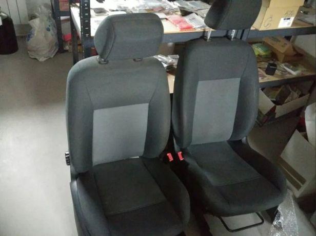 Fotele przednie Fiesta mk7 2009 stan bdb do 4d lub vana