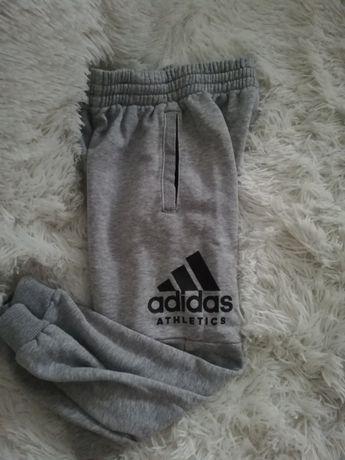 spodnie ADIDAS szare 7 8, spodnie dresowe ADIDAS 128 134