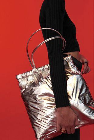 Дутая zara серебристая металлик сумка шопер из нейлона