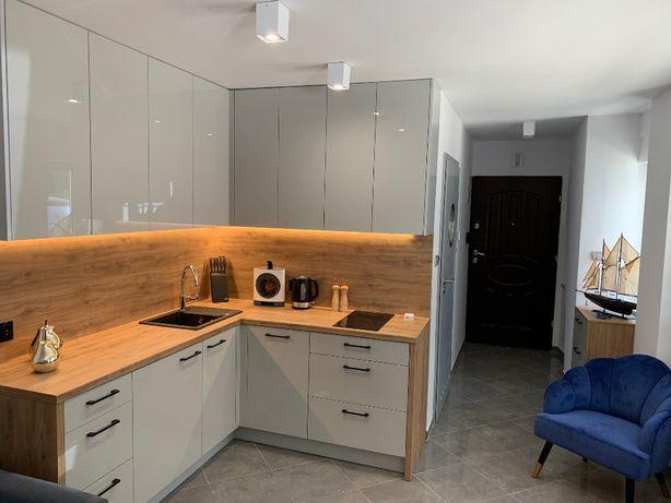 Wolne terminy, nowy, wyposażony apartament, 80m do plaży, basen