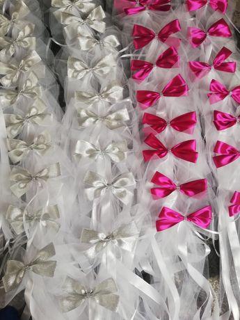 Dekoracje na ślub wesele, kokardy na ławki