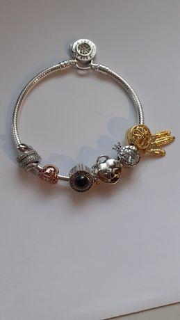 Charms do bransoletki typu Pandora oraz Aparat