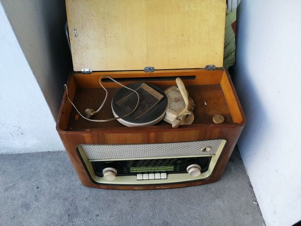 Radio Diora z gramofonem