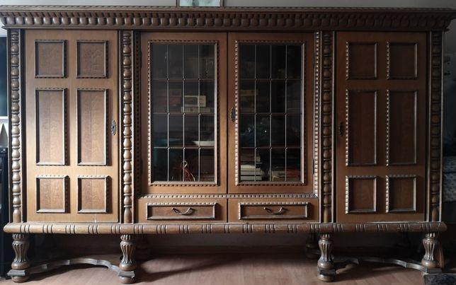 Piękna stara drewniana komoda