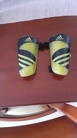 Caneleiras Adidas, tamanho XS
