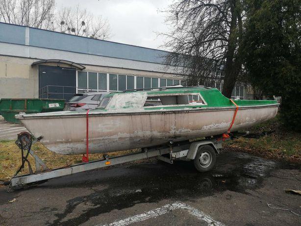 Jacht Orion łódź kabinowa
