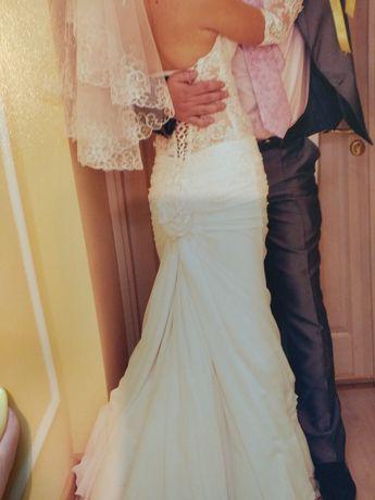 Свадебное платье+ перчатки и украшения