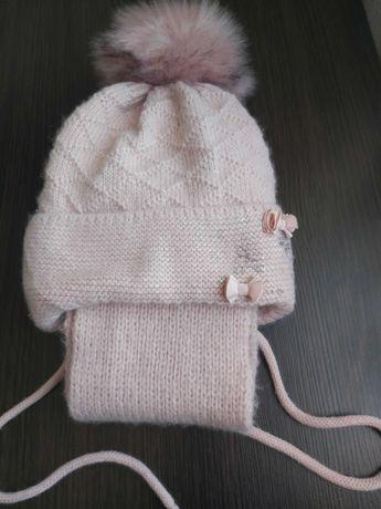 Nowa czapka i szalik dla dziewczynki