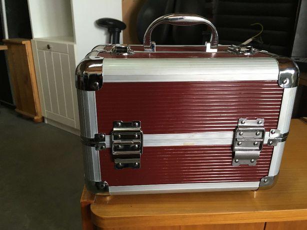 Kufer Kuferek na kosmetyki biżuterię akcesoria