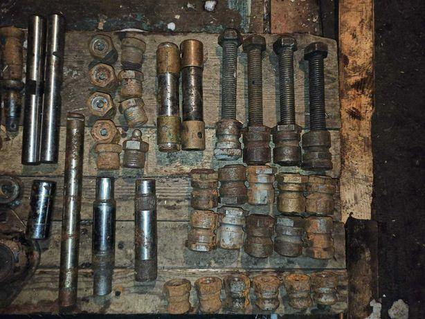 Ходовая газ 21 .Подвески ,шкворня,пальцы,элементы,втулки ,подшипники