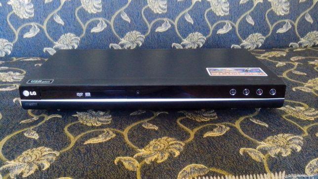 DVD рекордер LG DRK898