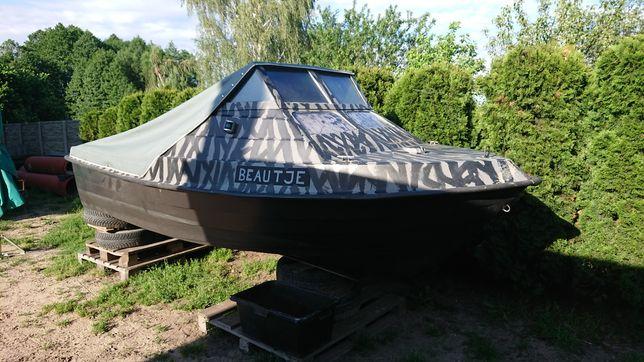 Holenderska łódka wędkarska łódź motorowa