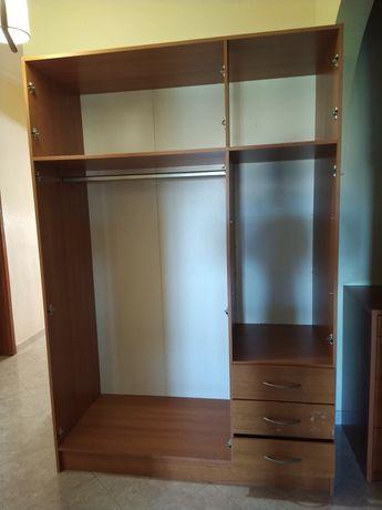 Armário-roupeiro-closet