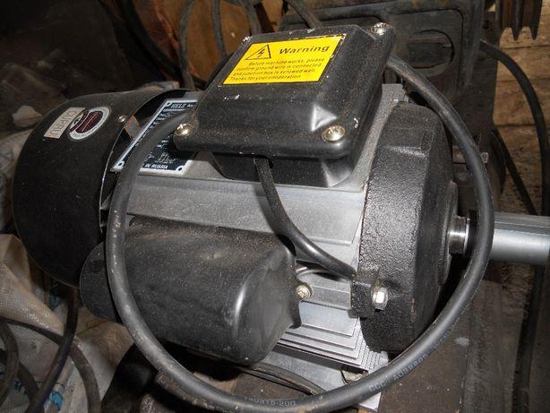 Продам электродвигатель 220 вольт 1450 оборотов 4квт