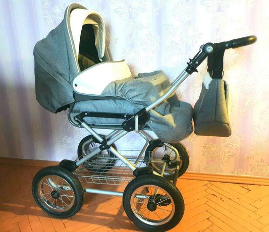 Продам коляску 2 в 1 классическую Roan Emma в отличном состоянии.