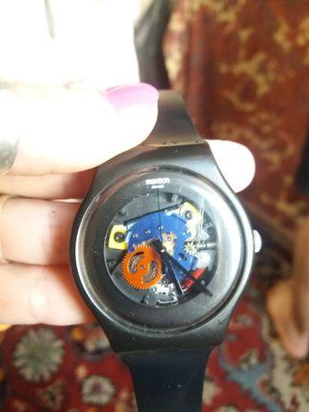 Часы Swatch унисекс В отличном состоянии