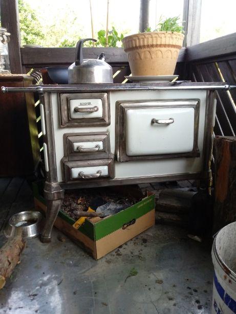 stara wyremontowana kuchnia węglowa