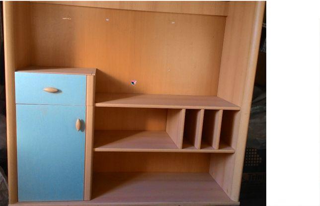 Продам навесной шкафчик