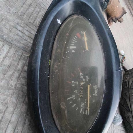 прибороы супорт колеса амортизаторы передняя вилка китайский скутер