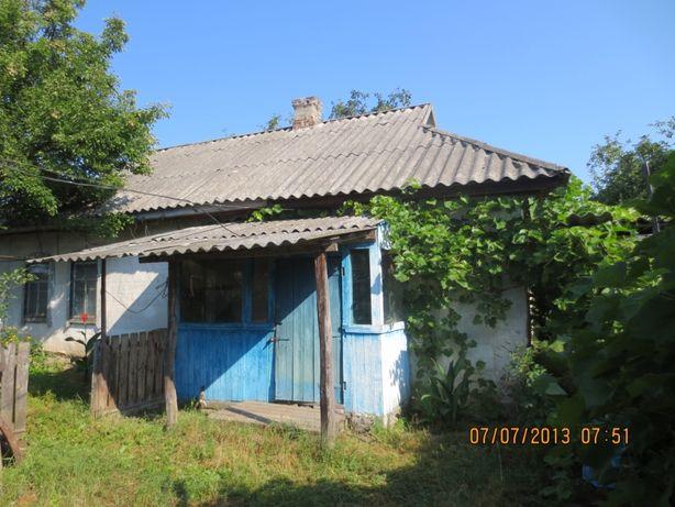 Продам дом в с. Днепровское, а также есть летняя кухня