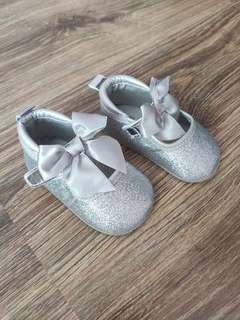 Детские пинетки, туфельки
