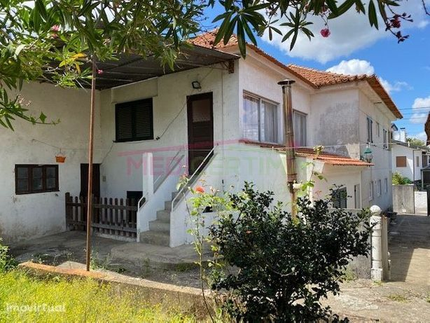 Moradia T5 em Sangalhos