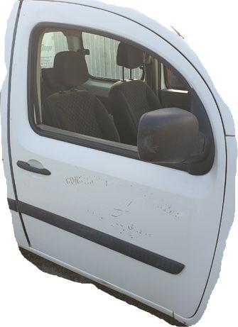 Renault kangoo III 3 2 II drzwi prawe przód przednie O389 białe