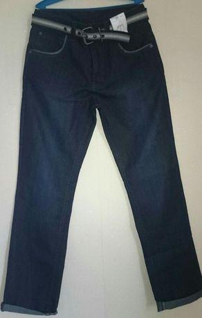 Продам джинсы новые подростковые
