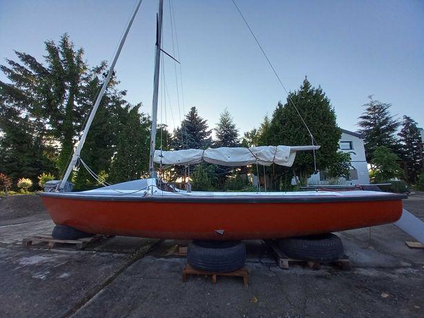 żaglówka jacht łódź żaglowa