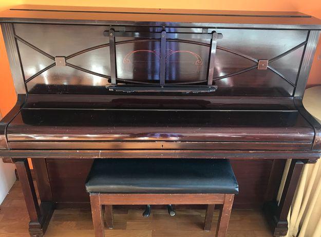 Piano vertical Cramer