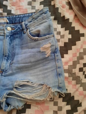 Krótkie spodenki jeansowe rozmiar 40