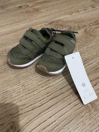 Красивые кросовки на мальчика 20 размер