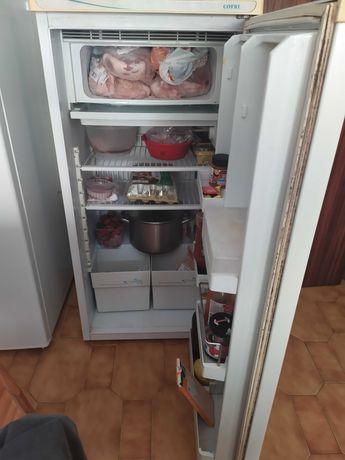 Venda de frigorífico marca vidro usado