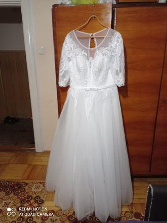 Весільна плаття в хорошому стані