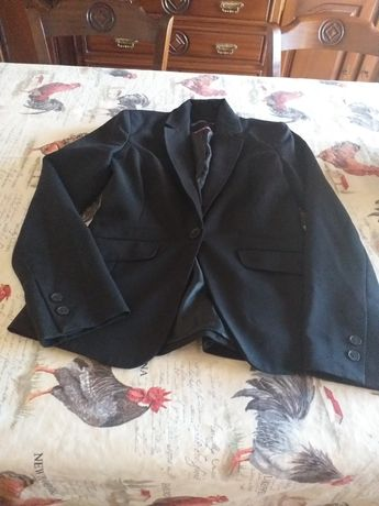 So hoje 10€ as 2 pecas Blazer preto  e vestido preto/branco tamanho S