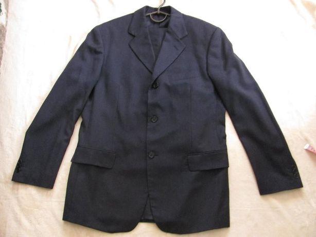 Чоловічий темно-синій костюм з Італії в гарному стані