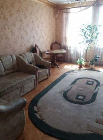 Продам 2-х комнатную квартиру на Приображенской. Сталинка.