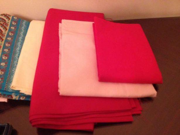 Conjunto de várias tecidos vendo à peça