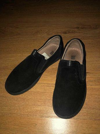 Замшевые туфли для мальчика Kangfu в идеальном состоянии