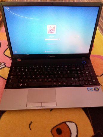 Laptop Samsung E300