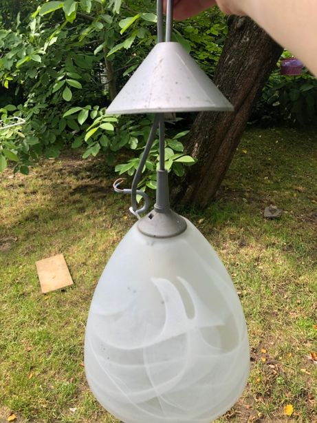 Лампа під стелю