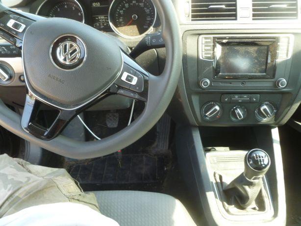 VW Jetta 6 Разборка Запчасти диск фонарь подушка стекло салон лонжерон