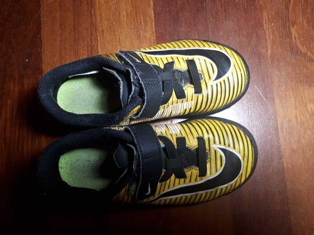 Nike buty pilkarskie dziecięce turfy - na sztuczną trawę rozm 28 rzep
